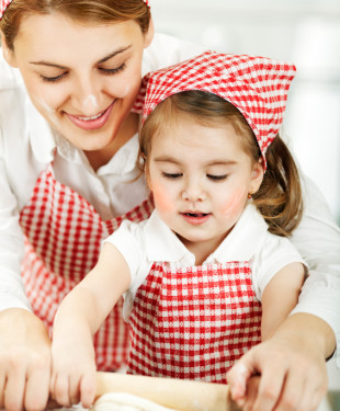 Mother-Daughter-Cooking