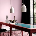 Dining room with pink walls1638